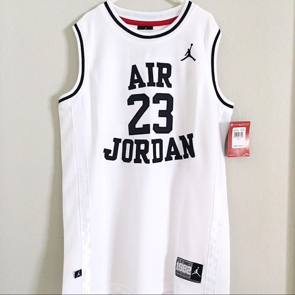 new styles f4b7e 3705d Boys Nike Air Jordan 23 White Black Jersey Size L NWT